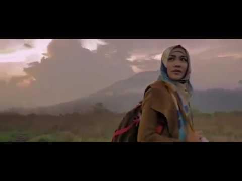 jilbab-traveler-:-love-spark-in-korea-(2016)-film-indo