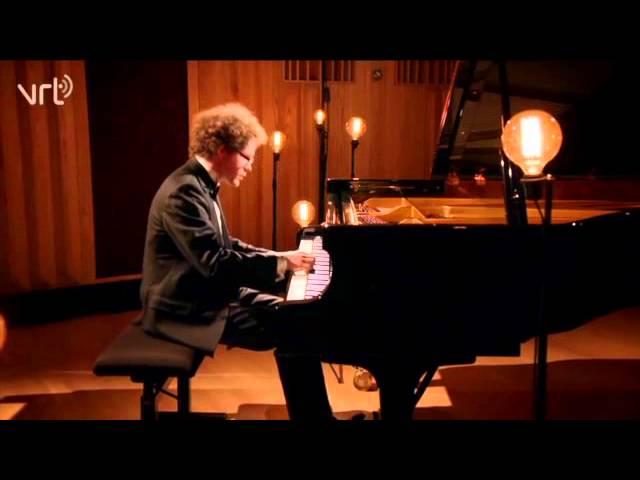 Joseph Haydn Sonata in E-flat Major Hob. XVI/49 mov. 1 Lucas Blondeel, Piano