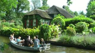 NETHERLANDS summer in Giethoorn (hd-video)