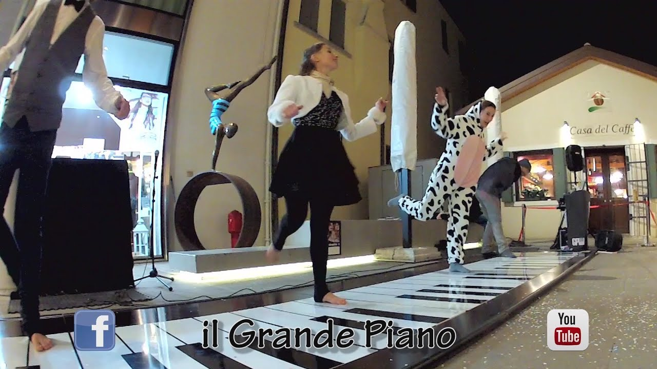 #ilGrandePiano Improvisations with a Funny COW at Venice Carnival 2018..!