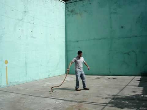 Cracking a Mexican chicote whip (red ixtle rope)