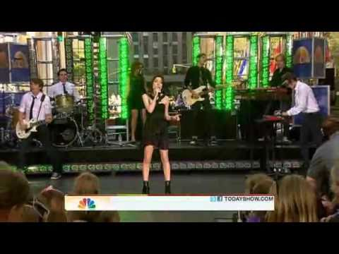 Miranda Cosgrove Bam Live