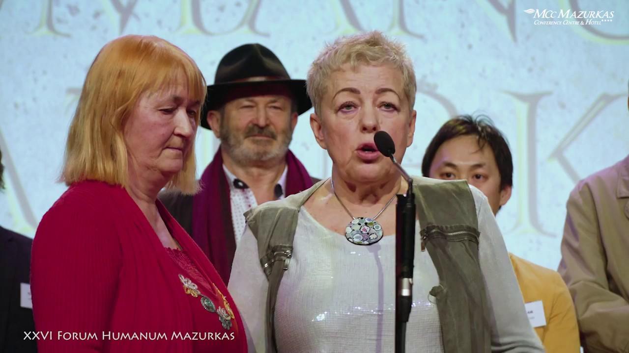 XXVI FHMazurkas- Kurator Janina Tuora -spotkanie z artystami wernisażu w sali