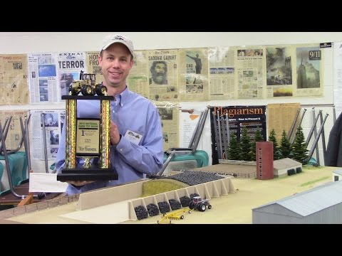 Small Scale 2016 National Farm Toy Show Display Contest Winner Chris Delva