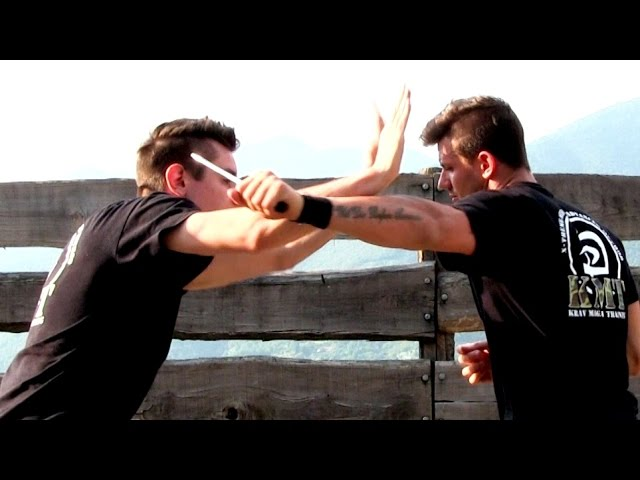 KRAV MAGA TRAINING • The 360 Defense against a KNIFE