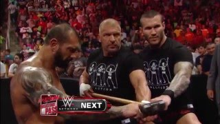 The Shield vs Evolution No Holds Barred Elimination Firma de Contrato   Raw Latino ᴴᴰ thumbnail