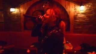 Горячий шоколад - Без ума (cover-караоке) in Red karaoke lounge