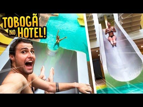 TEM UM TOBOGAN NO HOTEL QUE EU FIQUEI!! ( SURPRESA DE UM ANO DE NAMORO ) [ REZENDE EVIL ]