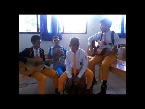 Parodi Akustik Siswa SMA Kristen Rantepao