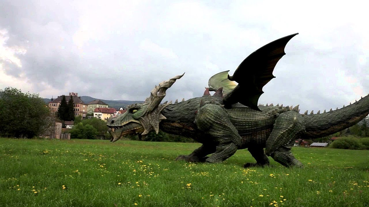 Giant Dragon Statue World S Largest Walking Robot Dragon Tradinno