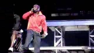 Akon - Smack That (live)