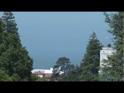 Solar Beacons on Golden Gate Bridge Reflect Sun.mov