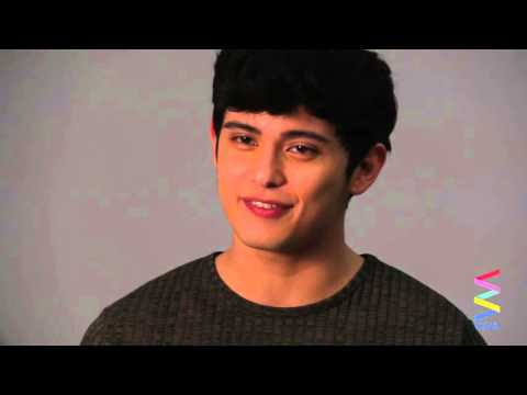 James Reid, may bagong magazine cover! [EXCLUSIVE]
