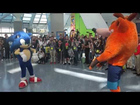 Crash vs Sonic Dance Off at E3