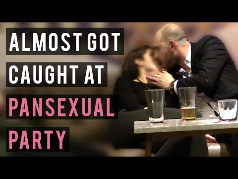 Picking Up Hot Hipster Girl at Pansexual Party  - Night Game Extravaganza P3 (Almost got caught)