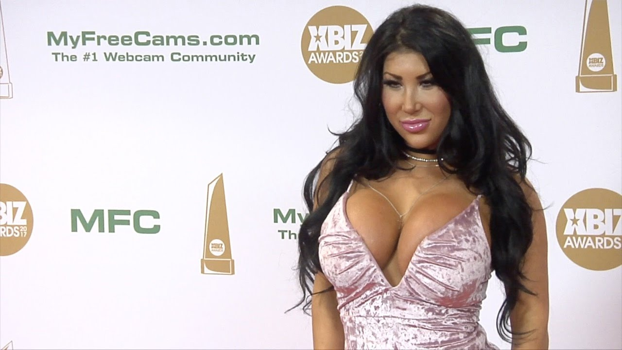 August Taylor Pics august taylor xbiz awards 2017 red carpet fashion