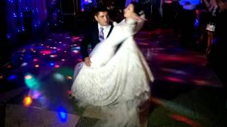Безумно трогательный танец жениха и невесты!!!!