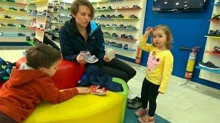 VLOG Шоппинг в детском магазине обуви Киддитоп Shopping in children's shoe store Kidditop(Шоппинг в магазине обуви, покупаем Кате босоножки. Shopping in shoe store, buy to Katy sandals. Спасибо, что смотрите мое видео!..., 2015-05-04T13:06:14.000Z)