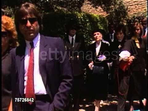 Michael Jackson attending Vincent Minellis funeral Rare Footage