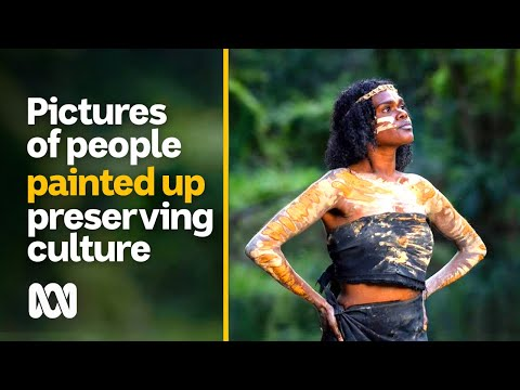 Indigenous photographer takes pictures of people painted up to preserve culture | ABC Australia