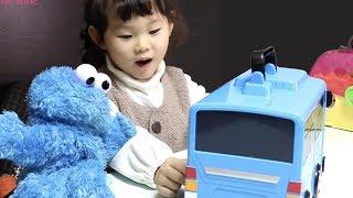 라임의 타요 캐리어 장난감 놀이 | 치과의사 놀이 | 뽀로로 짜장면 먹방  LimeTube & Toy 라임튜브
