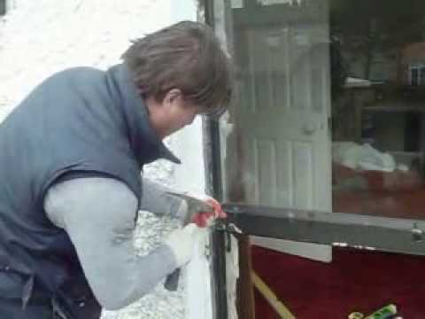 how to quickly remove aluminium window glass 3