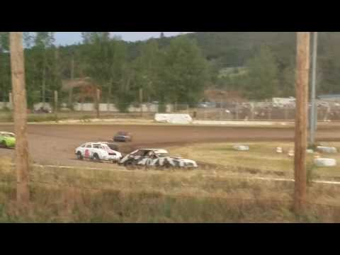 Southern Oregon Speedway mini Stock main event race June 17th 2017