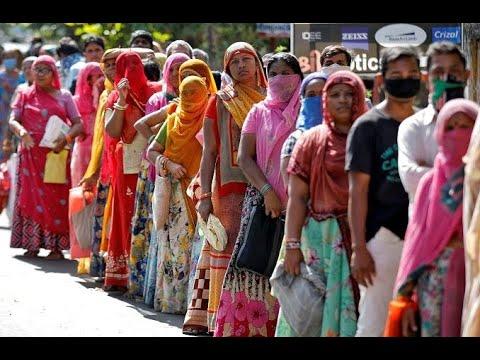 المئات يصطفون للحصول على الغذاء المجاني في الهند  - نشر قبل 3 ساعة