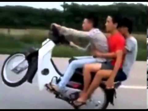 Video Lucu Pengendara Motor, Gokil Abis!