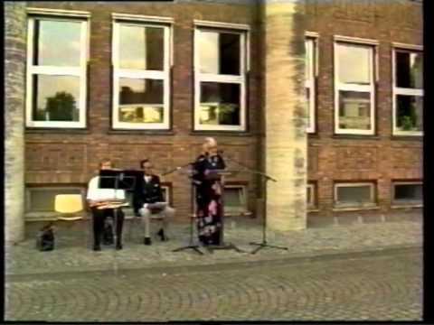 Eerste herdenking gevallenen te Hengelo  15 augustus 1995 door SIC