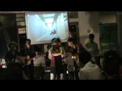 HelloFriday - Arti Cinta (ft.GreenZhy) Live @Buleng Resto, 2012