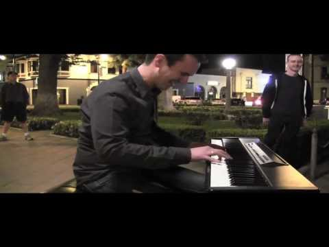 """Incredible """"Let It Go"""" Piano Cover by Jonny May Surprises Audience!"""
