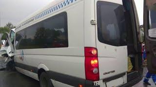 В Тульской области выясняют обстоятельства новой крупной аварии с участием пассажирского транспорта.