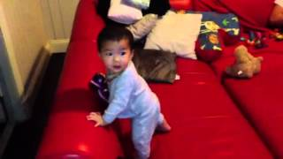 Vy crawling & standing Thumbnail