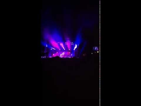 Never Gonna Leave This Bed (9-22-11 OKC Zoo Amphitheatre)