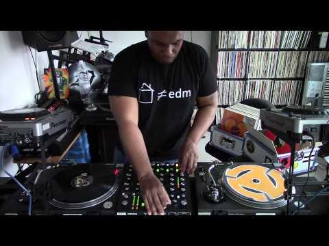 First Date With DeeDee (My New Rane MP2015 Rotary Mixer) Part 1