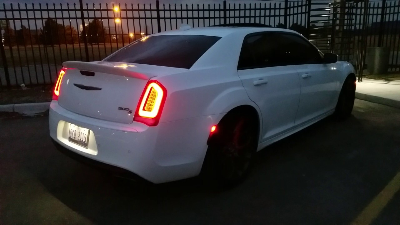 2017 Chrysler 300s Hemi Cold Start