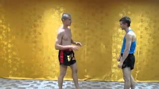 Тайский бокс для улицы   защита от бокового Muay Thai for a street self(Мир тайского бокса: http://nicekick.ru/ Мой канал: http://www.youtube.com/user/TheDementr Тайский бокс, тайский бокс видео, клуб тайско..., 2014-02-17T18:14:21.000Z)