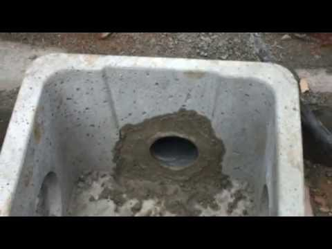 Raccord dun tuyau PVC dans un regard bton  YouTube