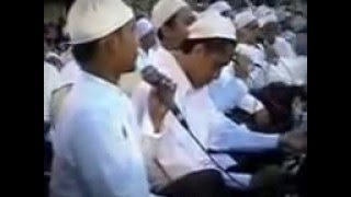 Video Sholatun Bissalamil Mubin & Subhanalloh (Habib Syech Bin Abdul Qodir Assegaf) download MP3, 3GP, MP4, WEBM, AVI, FLV Maret 2017