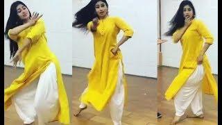 Mouni Roy का नया Dance Video