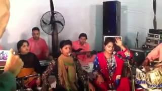 Sultana and Jyoti Nooran performing patakha guddi  live