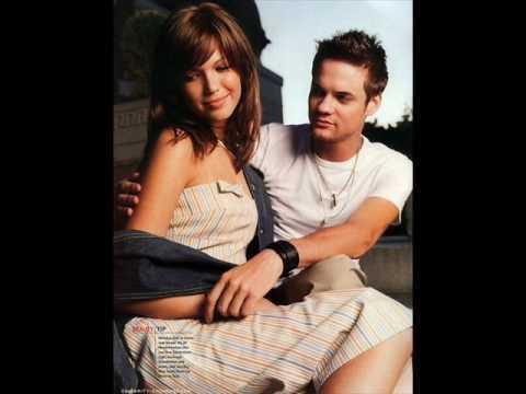 Shane West & Mandy MooreShake it
