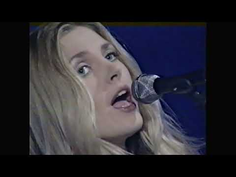 Saint Etienne - Former Lover - The Beat ITV 1994
