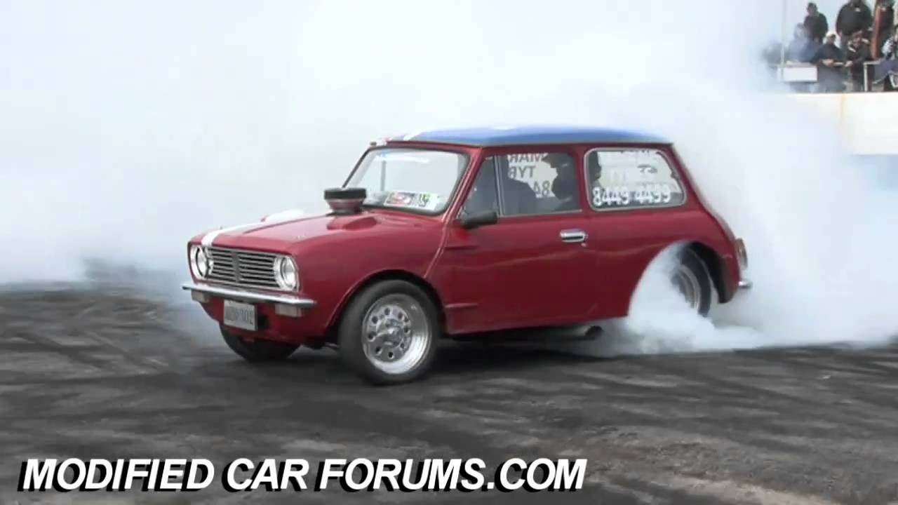 v8 mini burnout at gazza nationals 2010 youtube. Black Bedroom Furniture Sets. Home Design Ideas