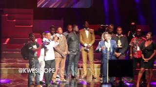 STONEBWOY BIG UPS SHATTA WALE AS HE BEAT HIM TO WIN  AT #AFRIMA2018