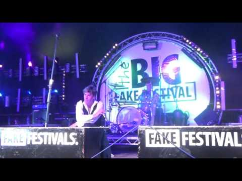 Aladdinsane   Ashes to Ashes The Big Fake Festival 2016