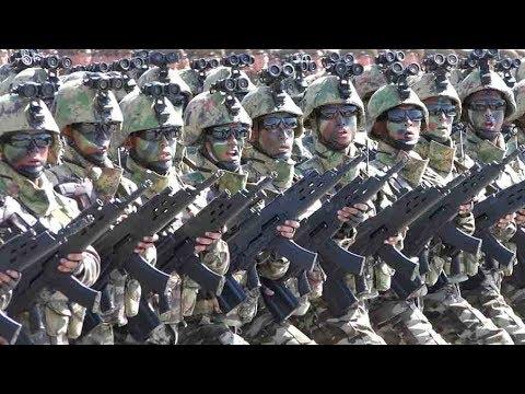 北朝鮮建国70年の軍事パレード -...