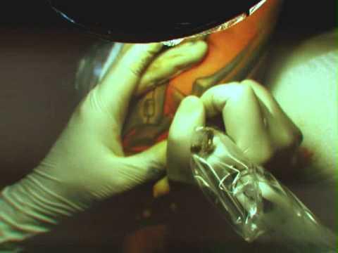 С каждым годом изображения, нарисованные на теле, пользуются большой популярностью, как в мире, так и на украине. Поэтому купить тату машинку в украине сегодня не составит проблем. Ее цена колеблется от вида оборудования и марки производителя. Купить машинку для тату вы можете в нашем.