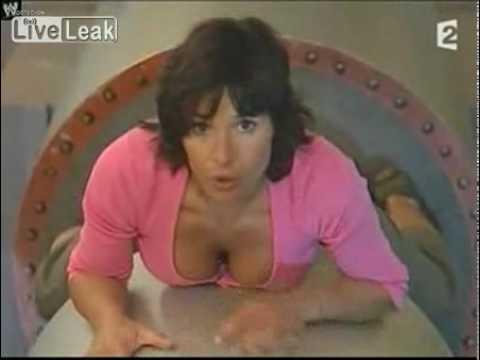 Ирина Муромцева засветила трусы в эфире